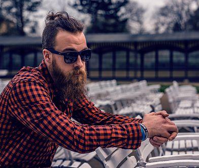 Koszula męska w kratę – jak ją nosić, by wyglądać modnie?