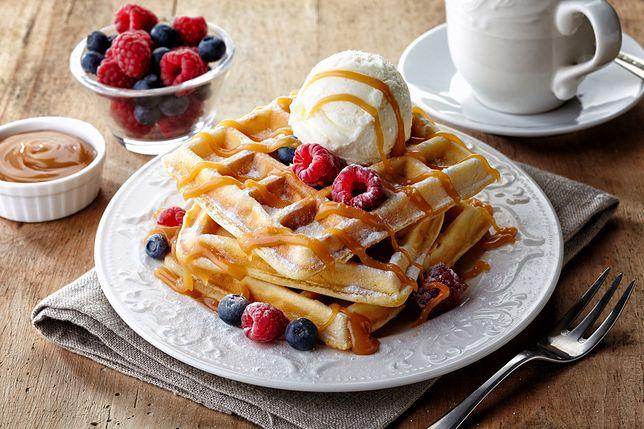 Gofry to rodzaj wafla, który wykorzystujemy zazwyczaj do robienia deserów