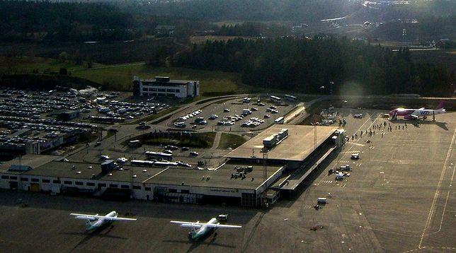 Z portu lotniczego Sandefjord-Torp można dostać się do centrum Oslo koleją, autobusem lub wynajętym samochodem
