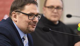 """Terlikowski krytykuje słowa prymasa ws. uchodźców. """"Groźby suspensy to groźby polityczne"""""""