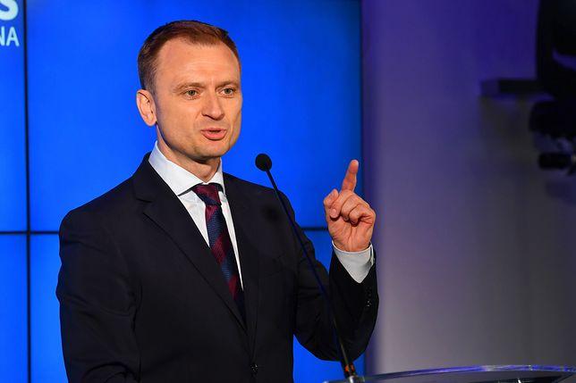 Sędzia Paweł Juszczyszyn z obniżoną pensją. Sławomir Nitras chce mu pomóc