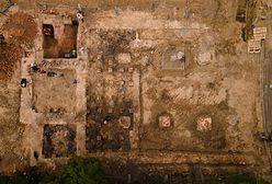 Remontowali ulice, odnaleźli fundamenty spalonej synagogi. Co dalej?