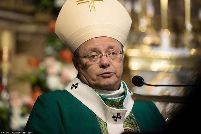 Zapłacą milion złotych, aby pokonać monopol arcybiskupa. Miasteczko zakłada tani publiczny cmentarz