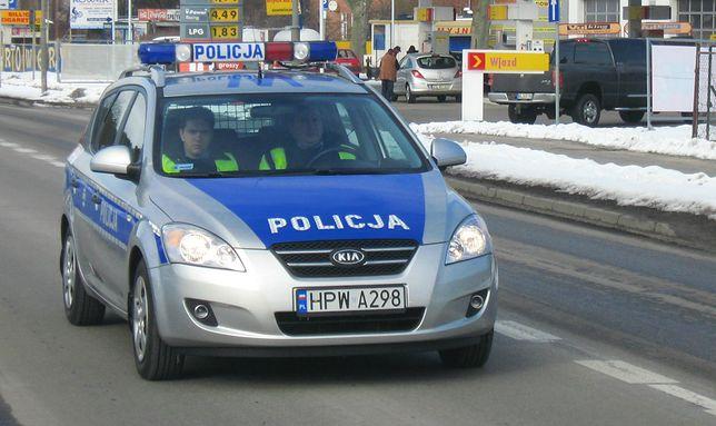 Złamał prawo. Policjanci zamiast wypisać mandat postanowili mu pomóc