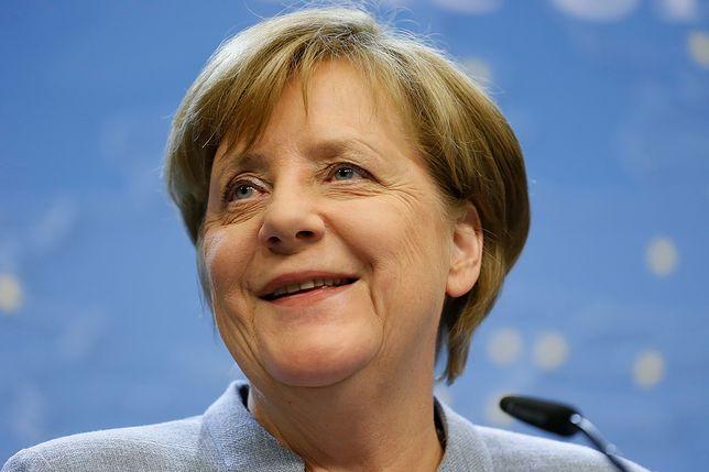 """""""Bardzo serdeczna"""" rozmowa Macrona i Merkel"""