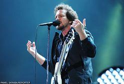 """Eddie Vedder: pozwólcie kobietom wybierać"""". Nikt nie ma już chyba wątpliwości, że jest największym feministą wśród rockmanów"""