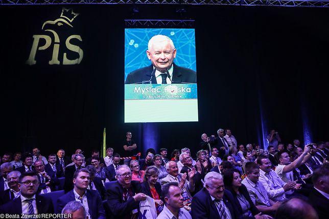 Jarosław Kaczyński przemawia podczas konwencji programowej PiS 7 lipca