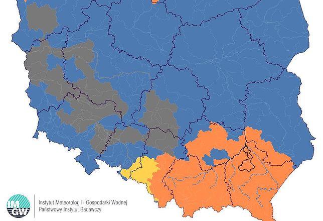 Pogoda. Deszcze nad Polską. IMGW ostrzega przez wysokim stanem wody w rzekach