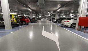 W Warszawie brakuje miejsc parkingowych