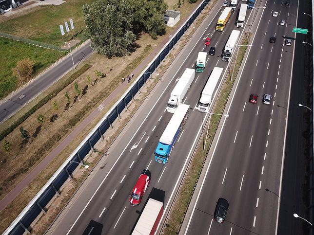 Warszawa. Na S8 doszło do wypadku [zdj. ilustracyjne]