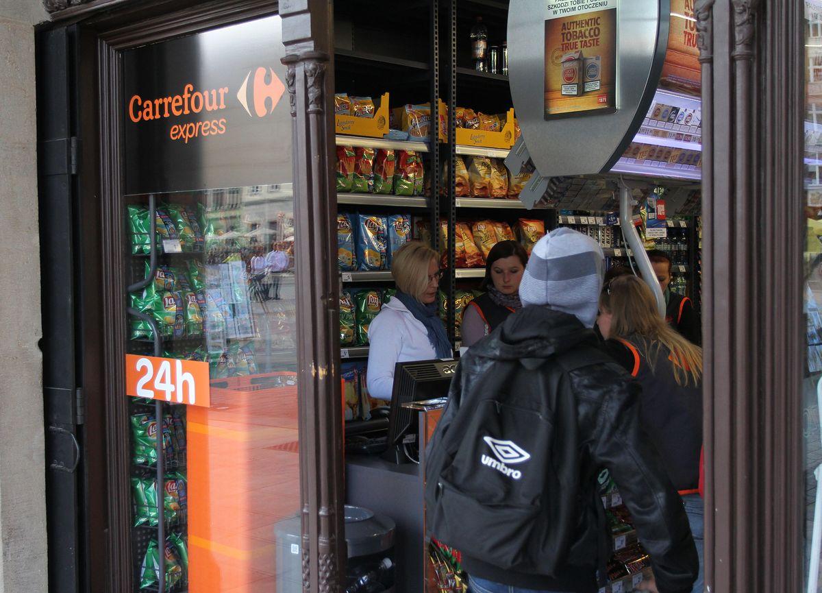 Carrefour stawia na mniejsze sklepy. Francuzi zmieniają strategię