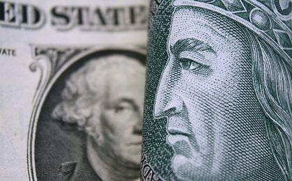 Dolar będzie kosztował więcej niż 4 zł, a funt ponad 5 zł. To na razie koniec rekordów polskiej waluty