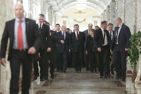 """""""Financial Times"""": porozumienie z Mińska taktyczną przerwą w ataku Putina na Ukrainę"""