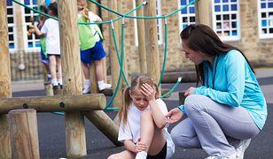 W polskich szkołach co 8 minut dochodzi do wypadku dziecka. Jak się chronić?