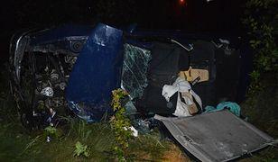 Wypadek pod Toruniem. 2-latek nie żyje, 3-latek walczy o życie