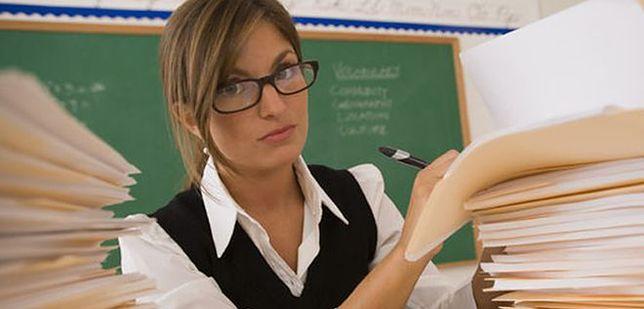 Dziś dowiemy się, ile naprawdę pracują nauczyciele
