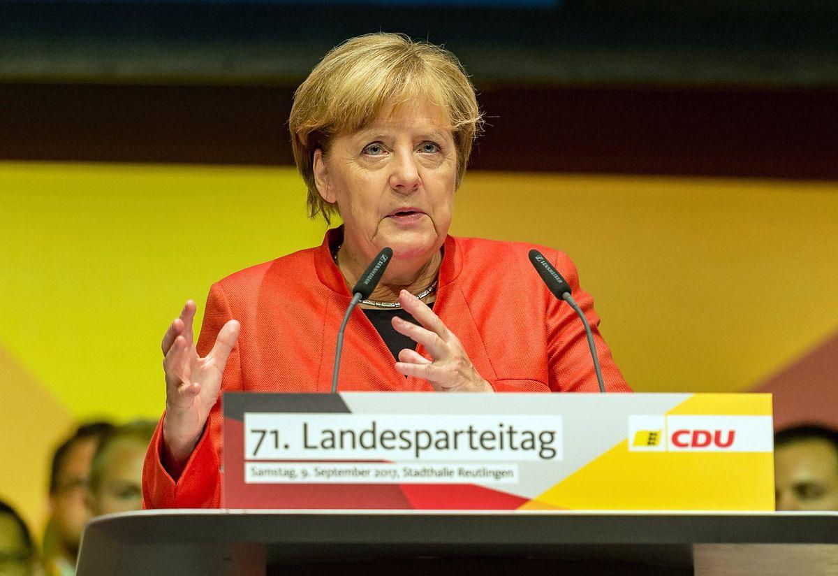 Merkel ostrzega ws. uchodźców. Zaryzykuje rozpadem UE?