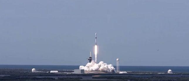 Historyczna misja SpaceX. Oglądaj na żywo start rakiety Falcon 9
