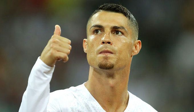 139bf2e4a Piłkarze robią biznes na Instagramie. Ronaldo kasuje ponad 2,5 mln złotych  za post