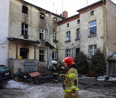 Nowy Tomyśl. Ratowali się przed ogniem skacząc z okna. Jedna osoba nie żyje