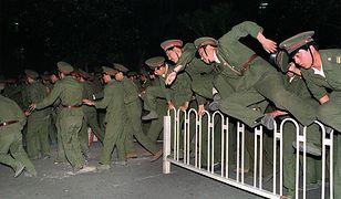 Chińska Armia Ludowa w czasie walk na placu Tiananmen