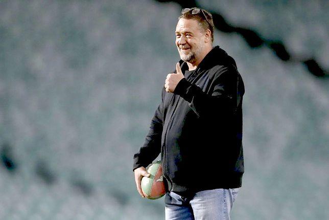 """Dziś nie zagrałby w """"Gladiatorze"""" 53-letni Russell Crowe bardzo przybrał na wadze"""