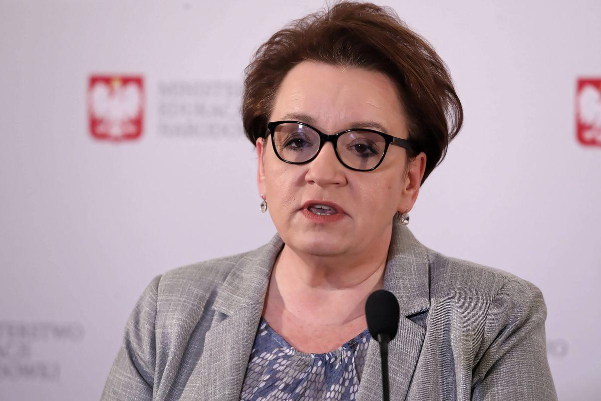 """Wiejas: """"A wystarczyło nie kłamać. Czyli jak Anna Zalewska negocjowała z nauczycielami"""" (Opinia)"""