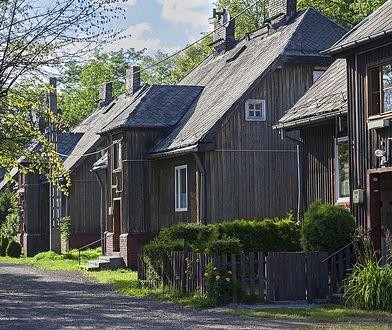 Śląsk. Miały być wyburzone. Teraz domki fińskie w Świętochłowicach dostaną drugie życie