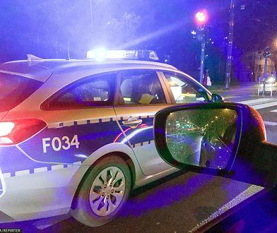Tychy. Nocny pościg za pijanym kierowcą. Mężczyzna próbował potrącić policjanta, padły strzały (zdjęcie ilustracyjne)