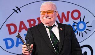 """Lech Wałęsa pełen """"luzu"""" i """"relaksu"""" wypoczywa nad morzem. Spotkał m.in. Dorotę Zawadzką"""
