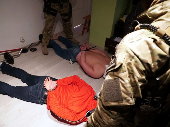 Warszawa. Policja rozbiła grupę przestępczą, która handlowała narkotykami