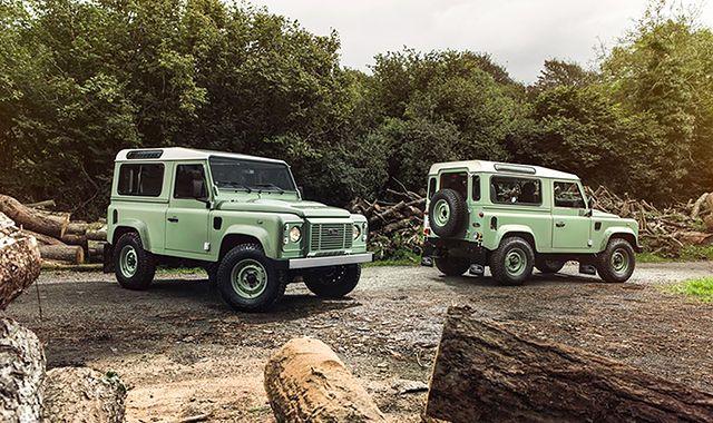 Land Rover Defender: kultowa terenówka jednak przetrwa!