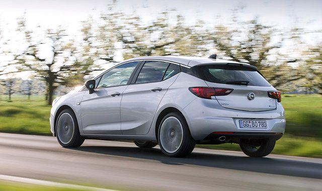 Opel Astra BiTurbo: nowa, szybka i oszczędna wersja