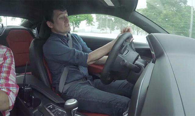 Nowy Chevrolet Camaro już rozbity. Przez dziennikarza
