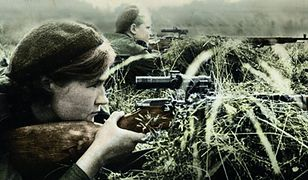 """Radzieckie strzelczynie wyborowe na stanowiskach bojowym. Fragment okładki książki """"Snajperki. Dziewczyny z Armii Czerwonej"""""""