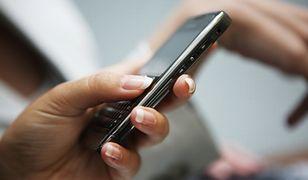 Skarbówka straszy SMS-ami i mailami. Skutecznie!