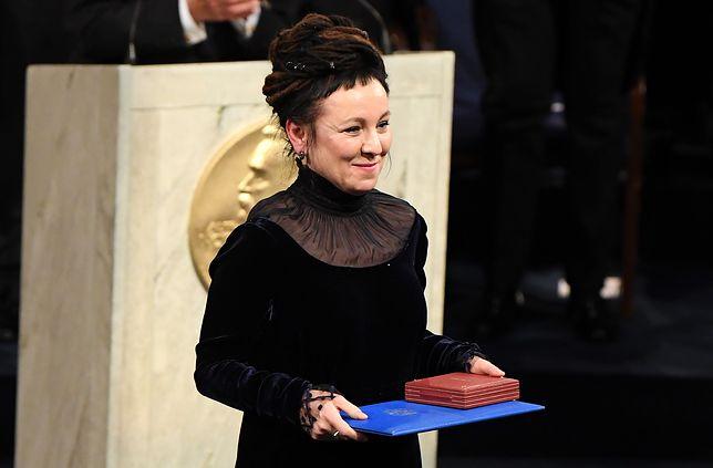 Olga Tokarczuk odebrała nagrodę z rąk króla Szwecji