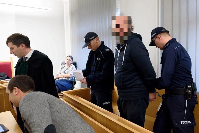 """Arkadiusz Ł. """"Hoss"""" podczas rozprawy przed sądem"""