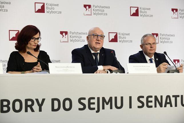 Państwowa Komisja Wyborcza zarejestrowała 22 komitety wyborcze