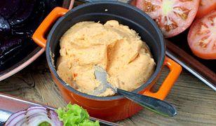 Masło czosnkowe - masło z grillowanym czosnkiem i papryką