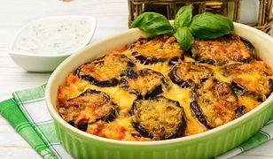 Kuchnia grecka uważana jest za zdrową i prostą. W kuchni greckiej można znaleźć potrawy przypominające te bałkańskie, włoskie czy arabskie. Przepisy kuchni greckiej