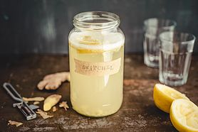 Przygotuj napój imbirowy na przeziębienie