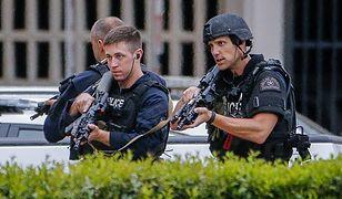 Sprawca ataku na policjantów w Dallas pozostawił wiadomość napisaną własną krwią