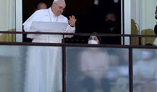 Papież Franciszek pozostanie dłużej w szpitalu. Najnowsze wieści z Watykanu