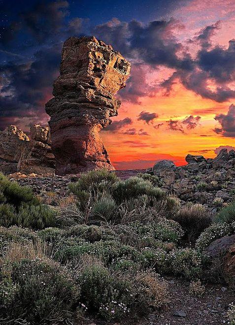 Księżycowy krajobraz Parku Narodowego na Teneryfie