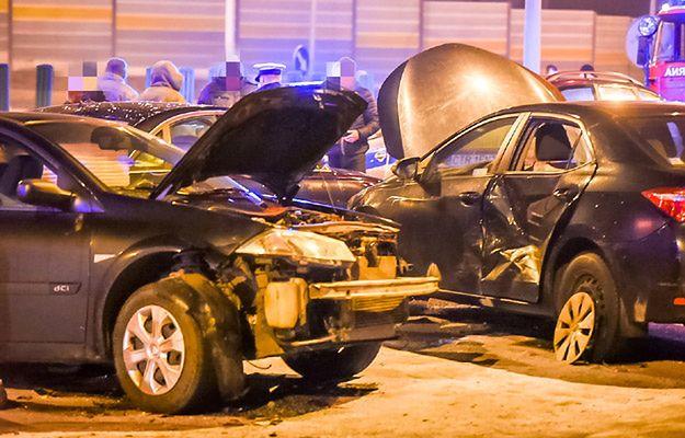 Kierowca Macierewicza odjechał z miejsca wypadku pod Toruniem. Nie czekał na policję