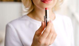 Dobierając kolor pomadki lub szminki, warto kierować się typem urody