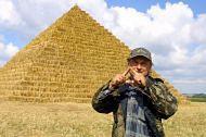 Piramida ze słomy