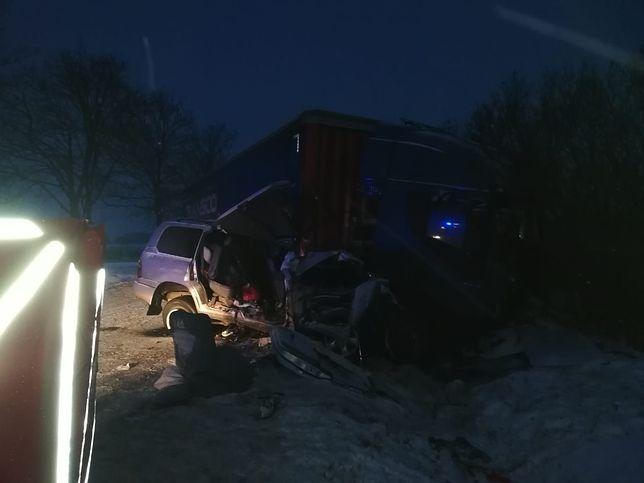 Iłża: śmiertelny wypadek na krajowej 9. Nie żyją 2 osoby