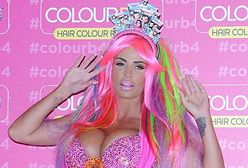 Ciężarna Katie Price przebrała się za kolorowy koszmar!